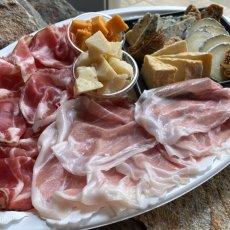 画像2: 【六本木ヒルズ店受取のみ】約10人前 チーズ & お肉プレート (2)