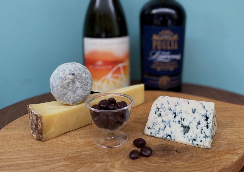画像1: 秋の夜長にお月見セット【チーズ3種+選べるワイン】 (1)