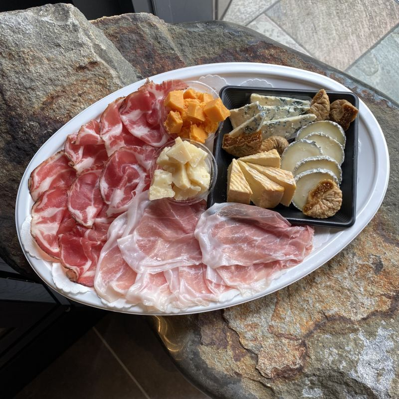画像1: 【六本木ヒルズ店受取のみ】約10人前 チーズ & お肉プレート (1)